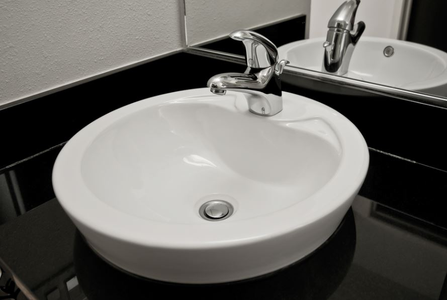 Tips to clean CP bathroom fittings